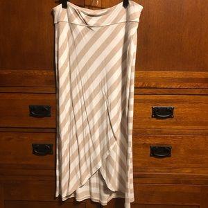 Athleta Mid-length skirt
